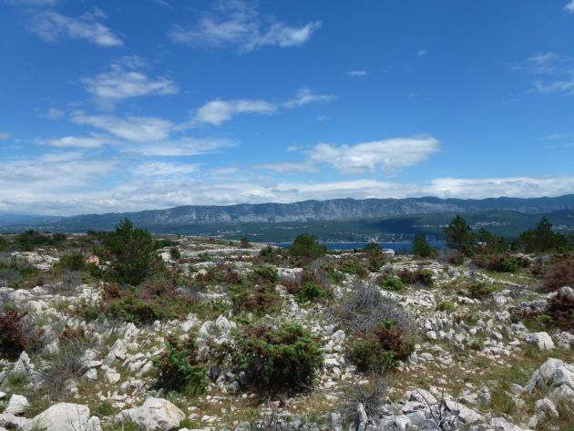 V okolí Rudine a jeskyně Biserujka na naučné stezce